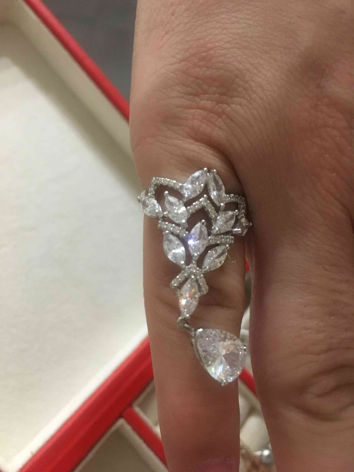 Кольцо к свадебному платью