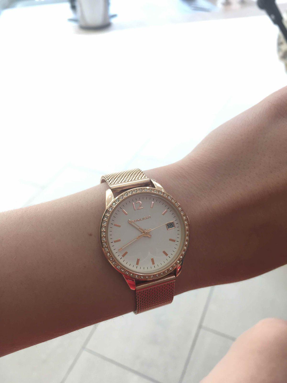 Купила часы в Sunlight. очень довольна. что решила купить их, очень классные!