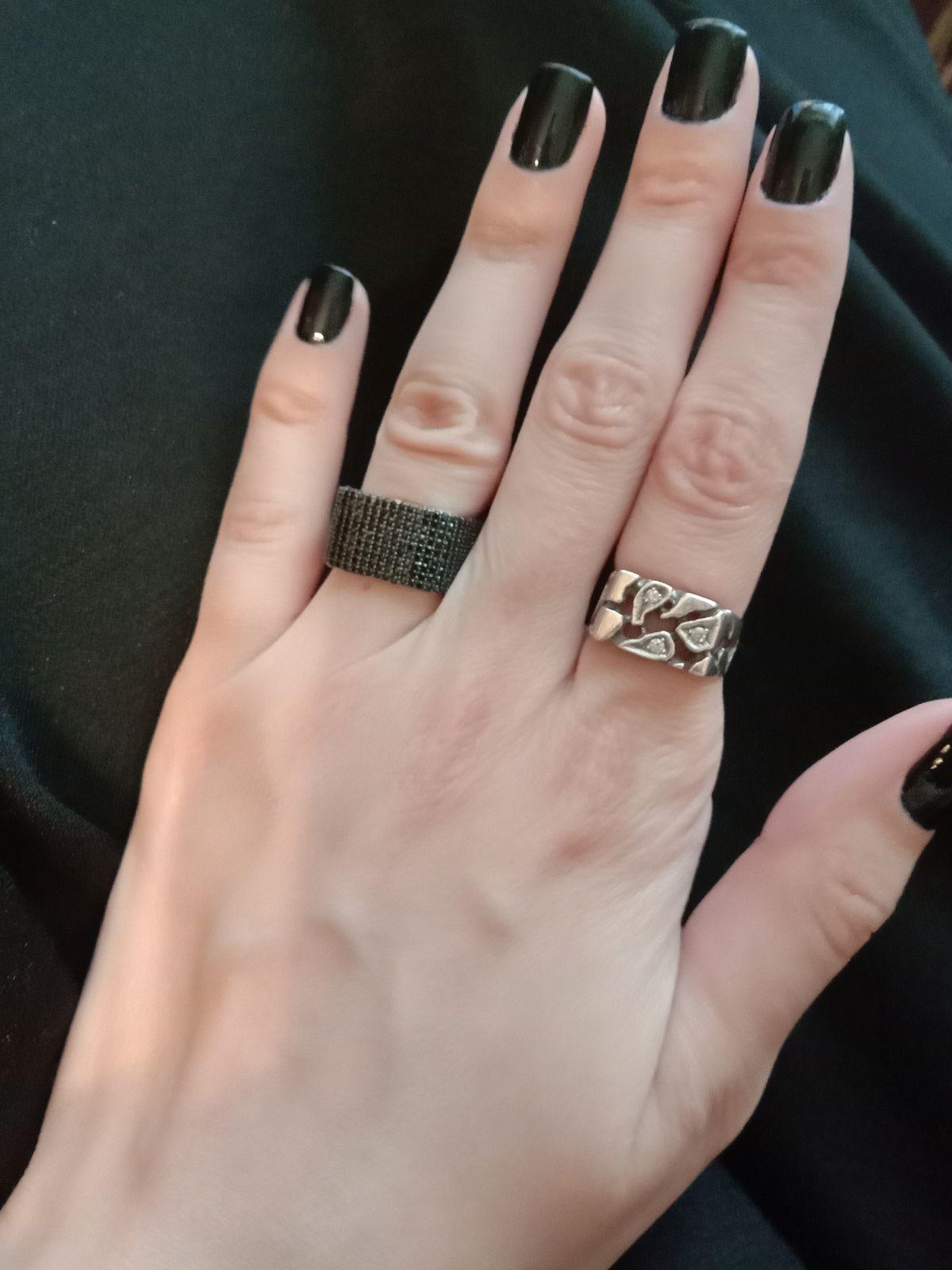 Кольцо оригинальной формы