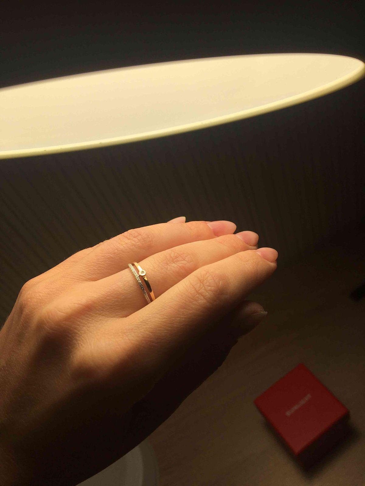 Нежное с россыпью бриллиантов