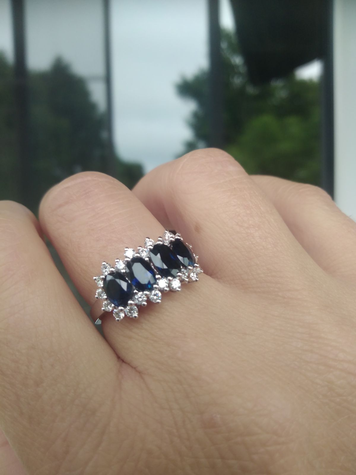 Величественные сапфиры с бриллиантами