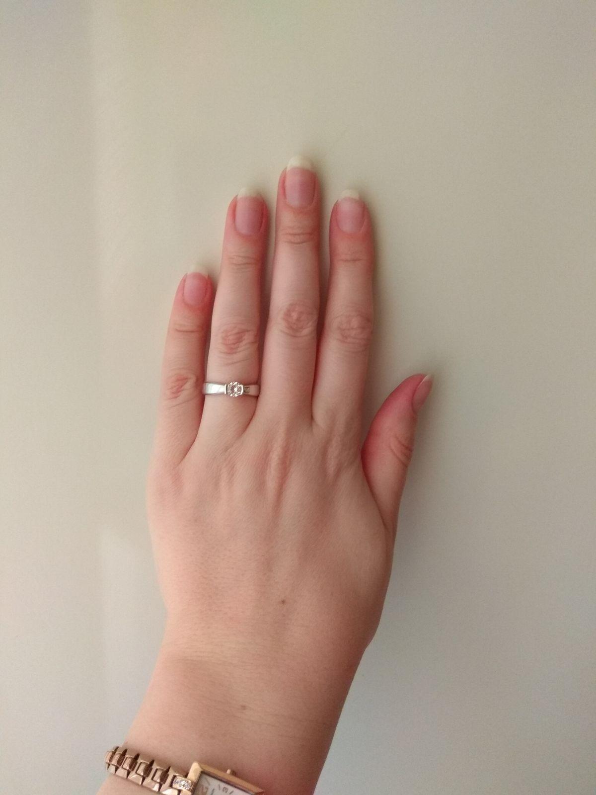 Красивое серебряное кольцо с кристаллами Сваровски