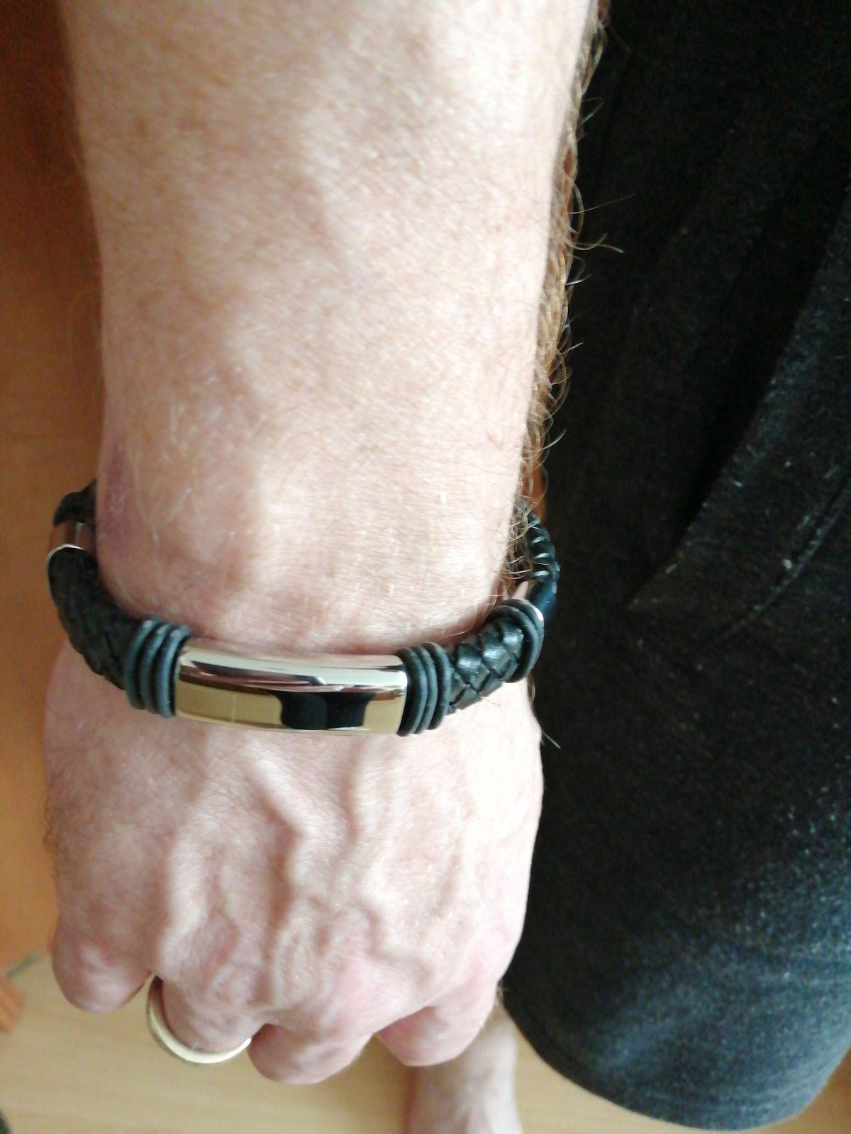 Мужской браслет.