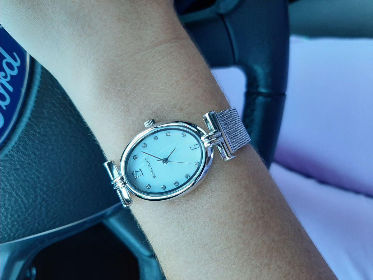 Часы женские цвет серебро и перламутр