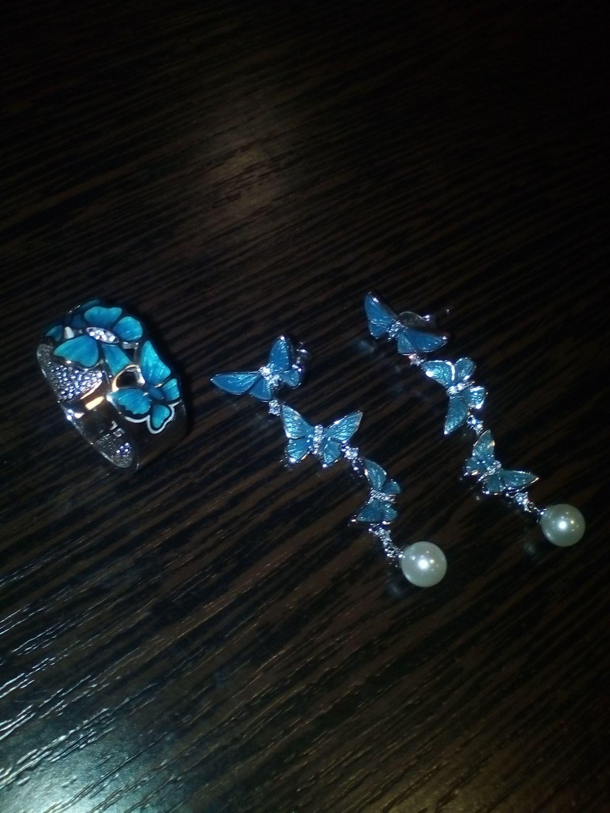 Шикарное кольцо и серьги:)