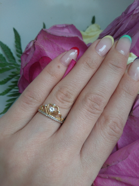 Красивое милое колечко с большим  топазом и бриллиантами