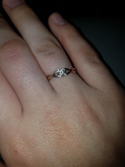 Безумно красивое кольцо, подойдет как девушкам, так и маленьким девочкам.