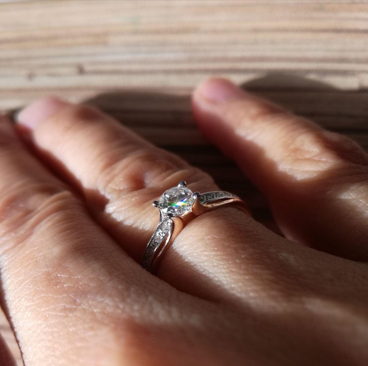 Искрящееся кольцо