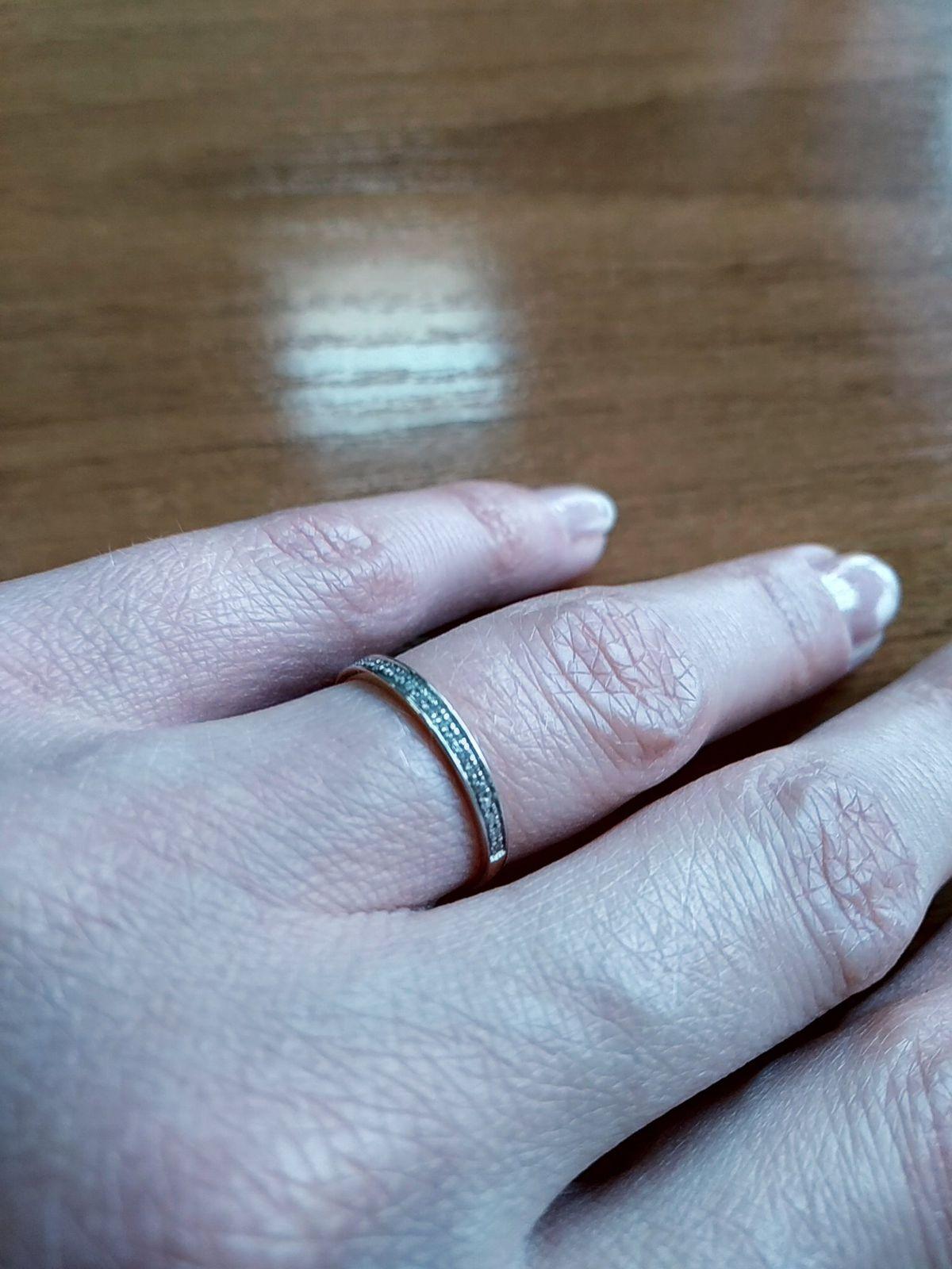О кольце с бриллиантами...