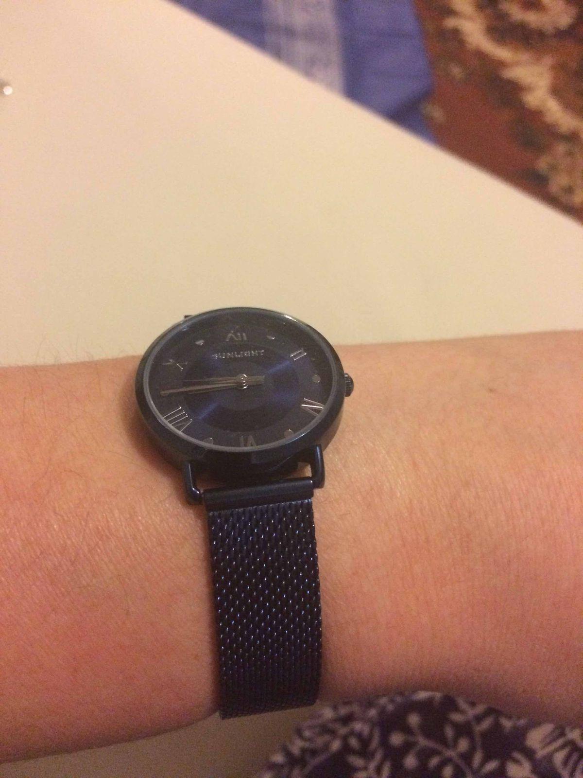 Часы женские, цвет классный