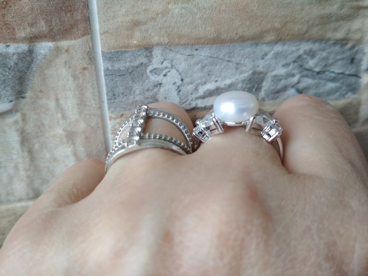 Кольцо с жемчужинкой.