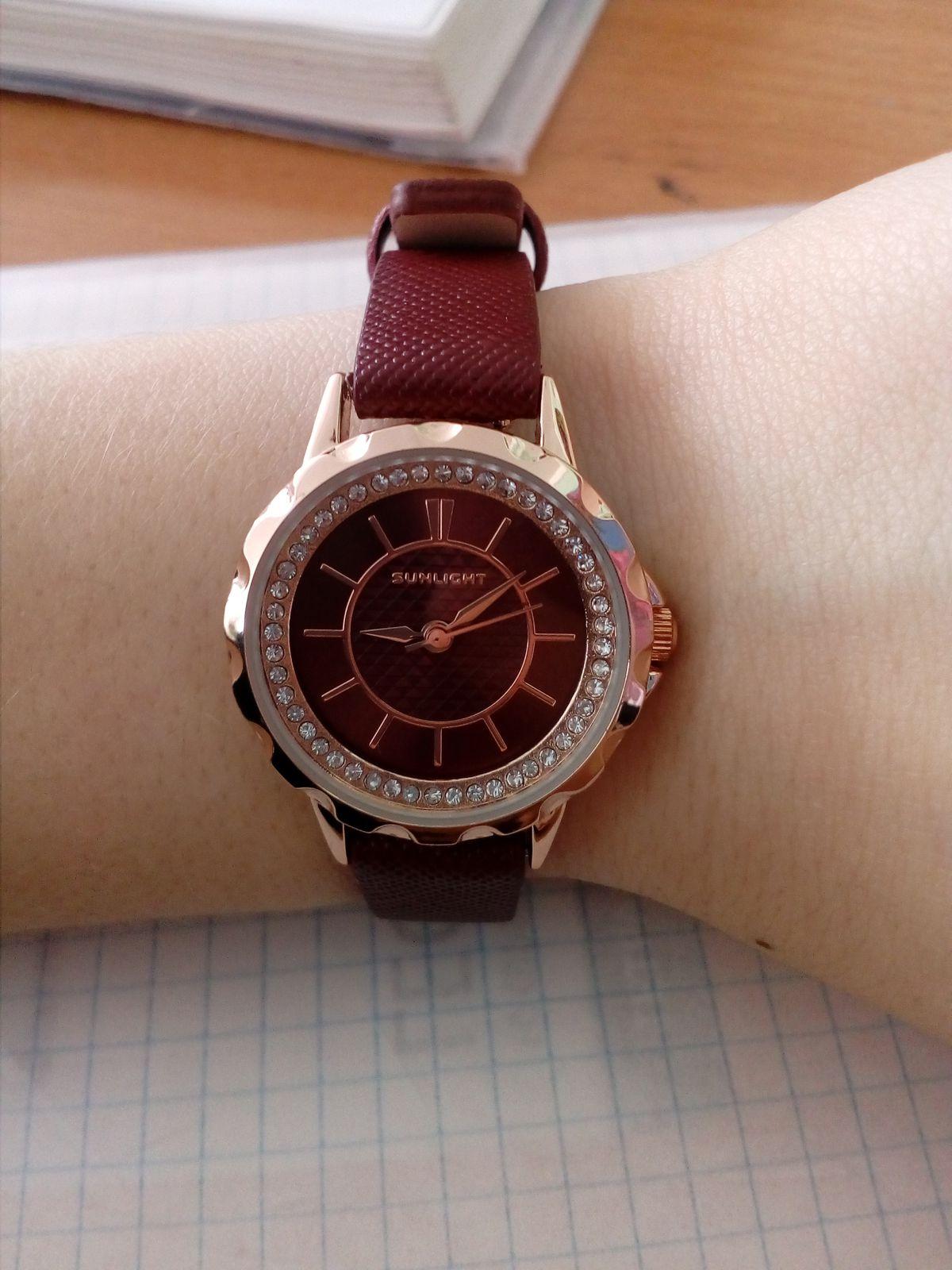 Просто замечательные часы. Очень довольна покупкой