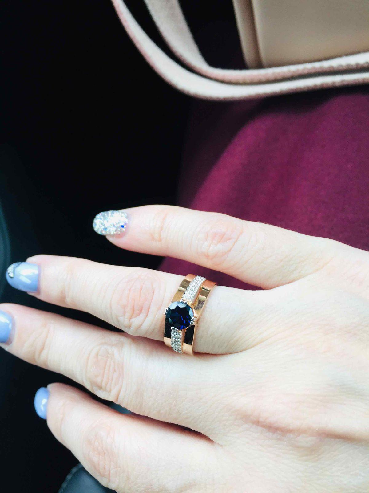 Роскошное кольцо с сапфиром