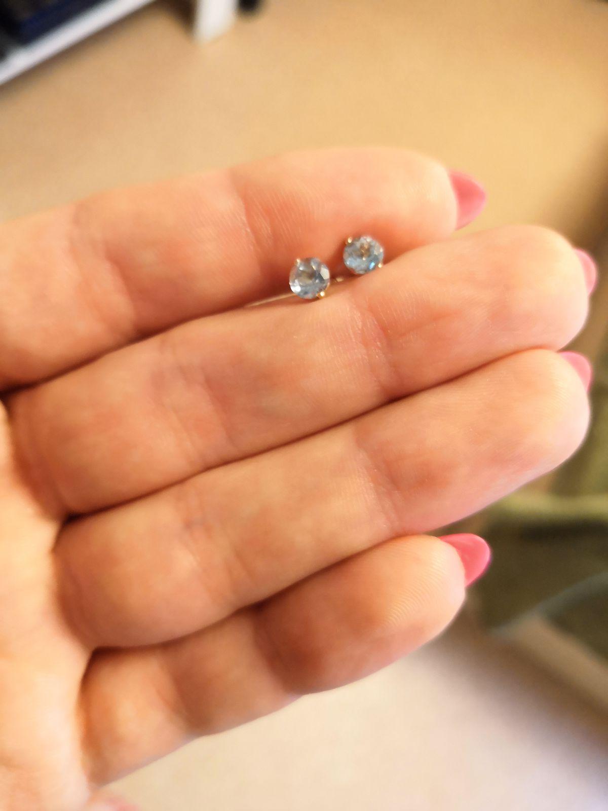 Классные гвоздики с любимым камнем