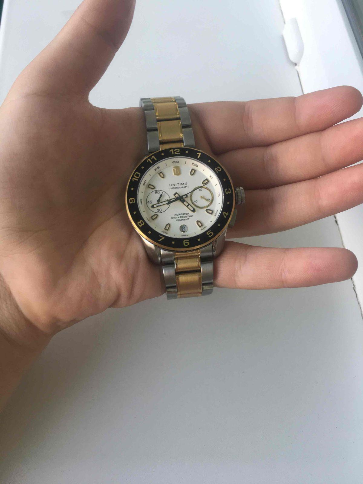 Купил часы сегодня,покупкой доволен)